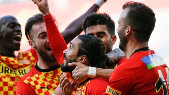 Göztepe, tam kadro ile Başakşehir maçına hazır!